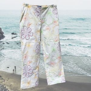 Embroidered Capri Pants Stretch Side Zip  White 4